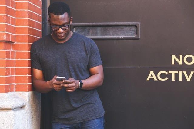 Candidate receiving a recruitment text message.